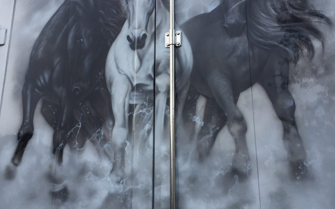 Photo realistic airbrush horses